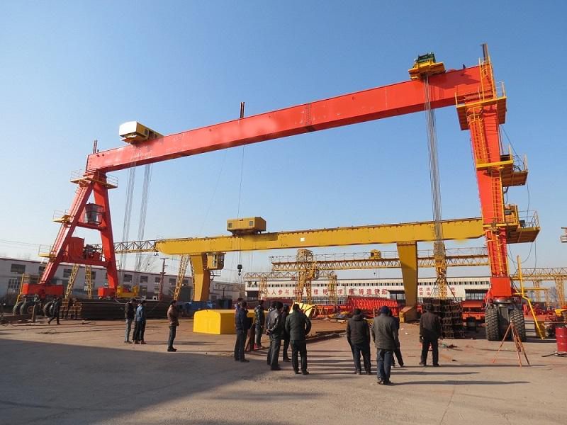 Rubber Tyred Gantry Crane In The Port